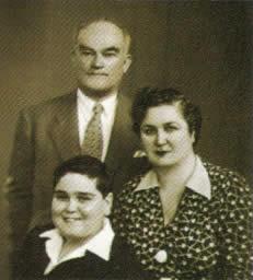 Dr. Cemil Şener ve ailesi